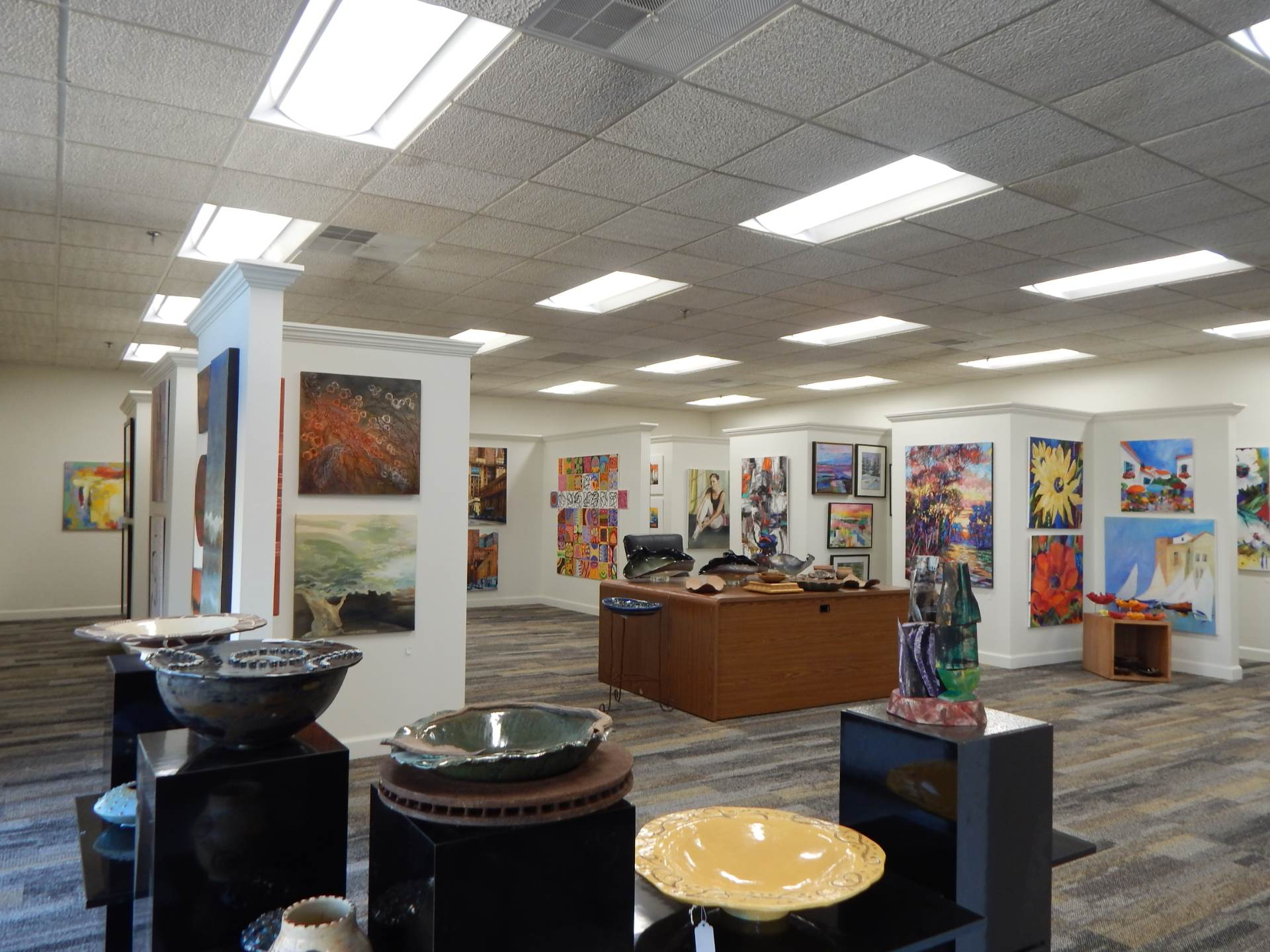 image of the gallery at the art of custom framing